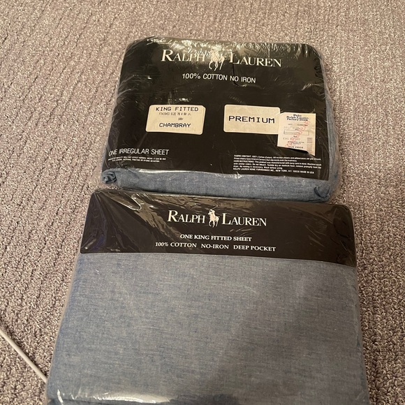 Bundle of 2 Ralph Lauren king fitted sheets